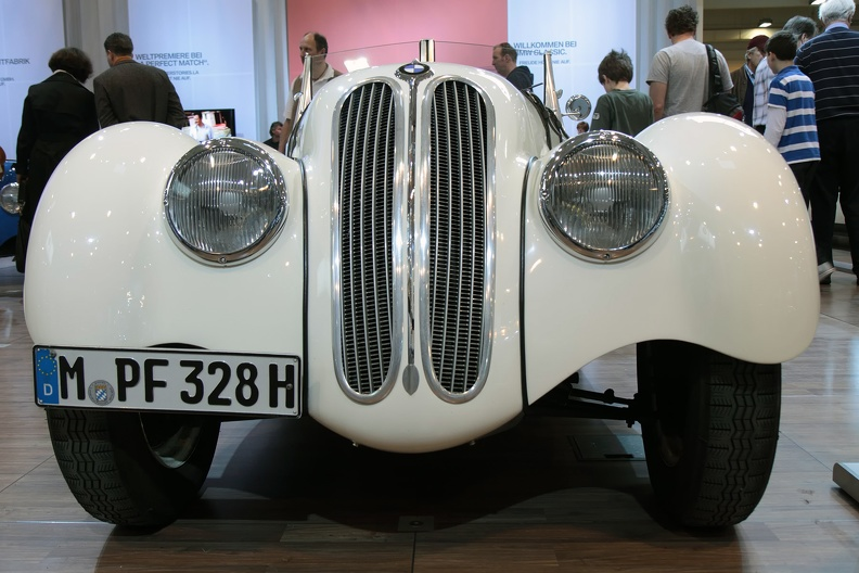 Front BMW 328